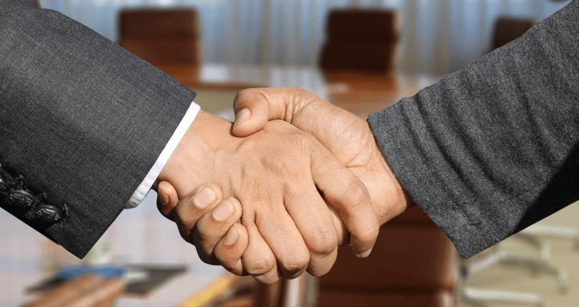 Worauf sollte man bei einem Maklervertrag achten und welche Arten von Maklerverträgen gibt es?
